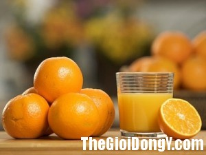 Nuoc cam 1 300x225 7 loại thức uống giúp bạn luôn duy trì vẻ thanh xuân