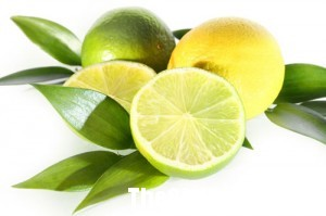 chanh 300x199 Các loại trái cây giúp bạn đánh bật những vết vàng ố trên răng