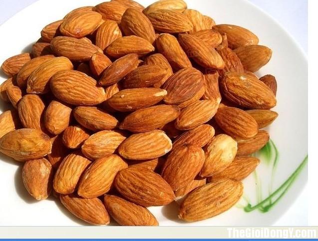 hanh nhan loe1baa1i 1 7 Loại quả tốt cho tim mạch