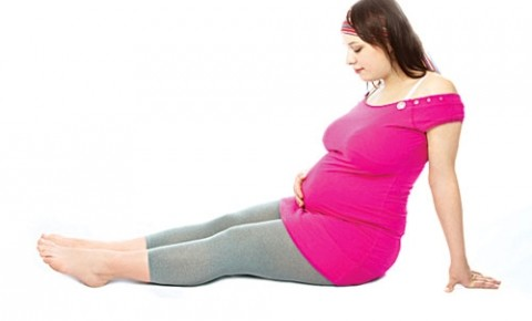 1481940704 khi co thai nhieu chi em thuong bi phu Những bài thuốc chữa phù cho chị em phụ nữ mang thai