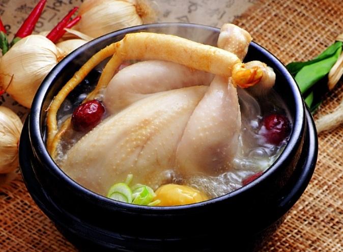 ga ham 6 Cách trị huyết áp thấp cực nhạy với món gà hầm sâm