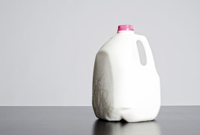Xu huong tang can quai dan Uong sua tet ga 1 1545613068 177 width665height449 Uống 4 lít sữa/ ngày để tăng cân và cái kết