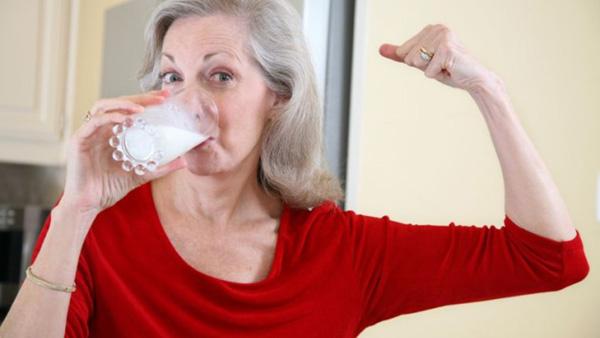 sua Người già bị đau nhức xương khớp thì phải biết chế độ dinh dưỡng này