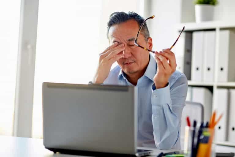 Stress 768x513 Lý do mà Đông y không tán thành việc dựa vào thuốc hạ huyết áp để chữa cao huyết áp