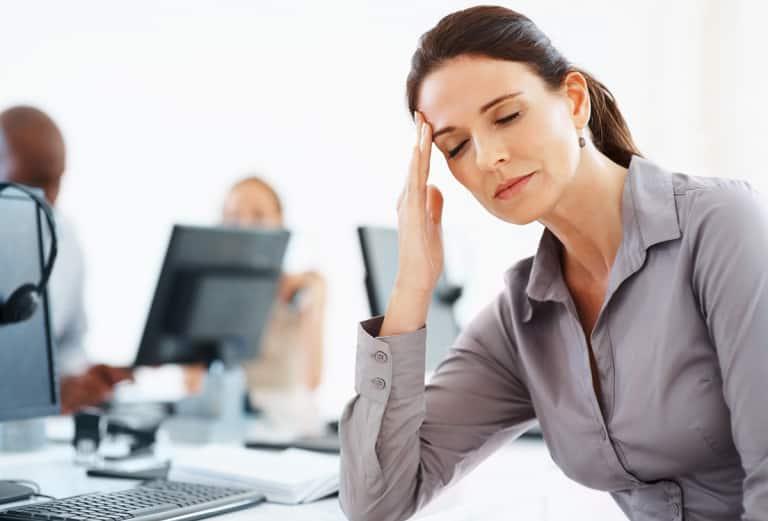 Stress 768x521 Lý do mà Đông y không tán thành việc dựa vào thuốc hạ huyết áp để chữa cao huyết áp